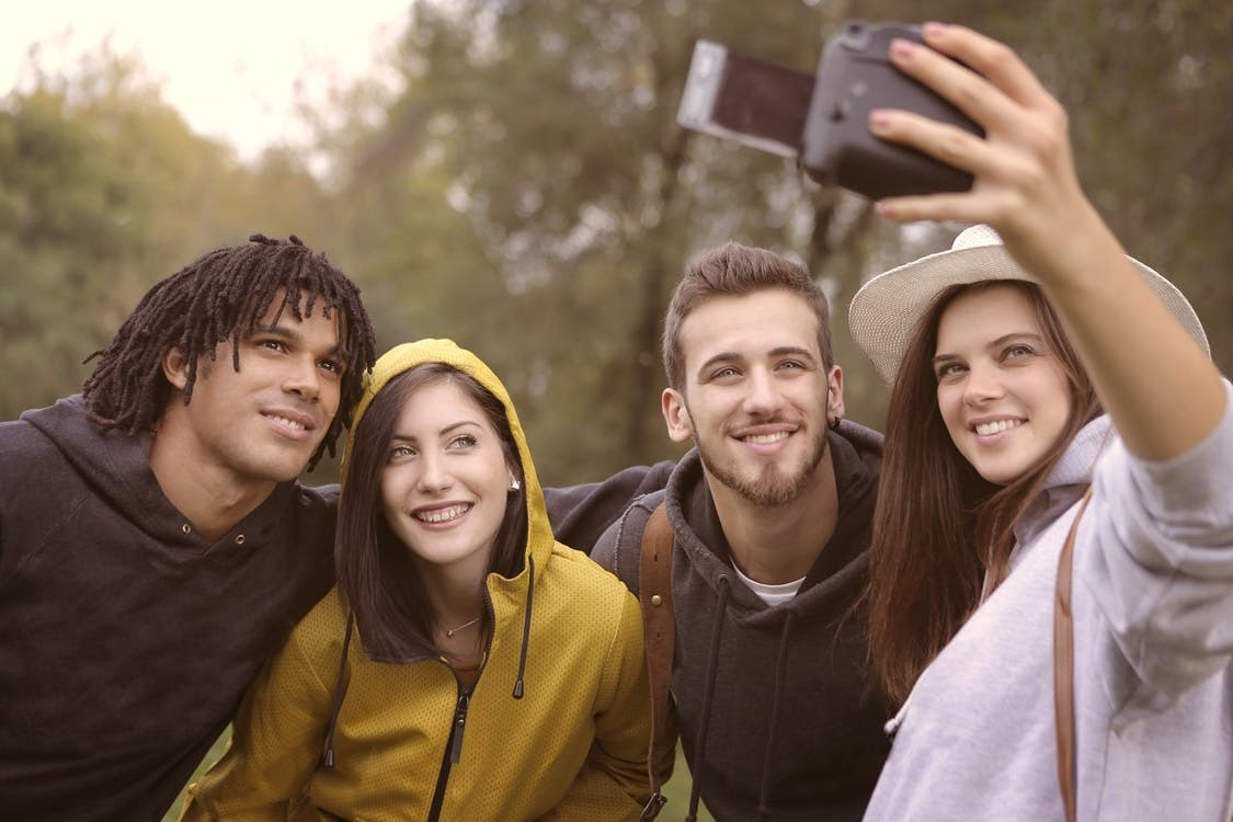 5 Tricks to Make Your Selfies More Attractive